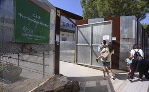 La gran demanda del comedor del colegio Giner de los Ríos de Mérida deja fuera a 60 niños