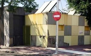 Educación busca soluciones para la fachada del colegio El Pozón en Navalmoral
