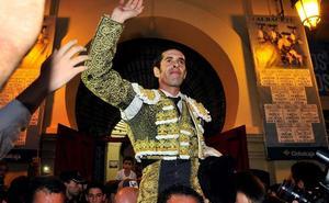 Talavante abre la última puerta grande de la feria de Albacete