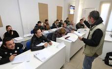 La Universidad Popular de Badajoz oferta 800 plazas en 40 cursos