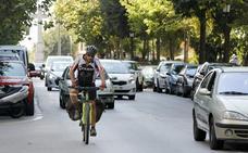 El carril bici llegará a otras 40 calles de Cáceres y conectará con el centro urbano