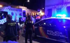 Una agresión con un hacha provoca una pelea multitudinaria en Almendralejo