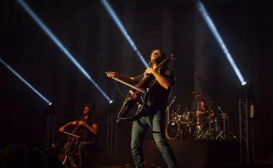 Más 3.000 personas disfrutan de 2Cellos en el Teatro Romano en su único concierto en España en 2018