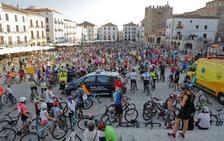 La Fiesta de la Bicicleta reúne a 5.000 participantes en Cáceres
