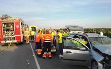 Un fallecido en un accidente con tres coches implicados en Pueblonuevo de Miramontes