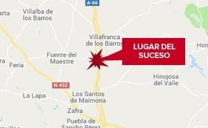 Dos heridos al vocar un tractor y chocar con un coche en Villafranca de los Barros