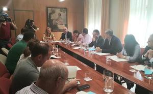 García Seco explica el plan para eliminar el camalote a los alcaldes de los 18 municipios afectados