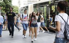 Quejas por el exceso de viajeros en los autobuses del campus cacereño
