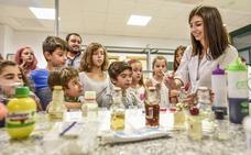 Los investigadores del campus abren hoy sus laboratorios a Badajoz