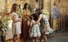 El besamanos y una misa por los socios fallecidos cierran los actos de la Mártir en Mérida