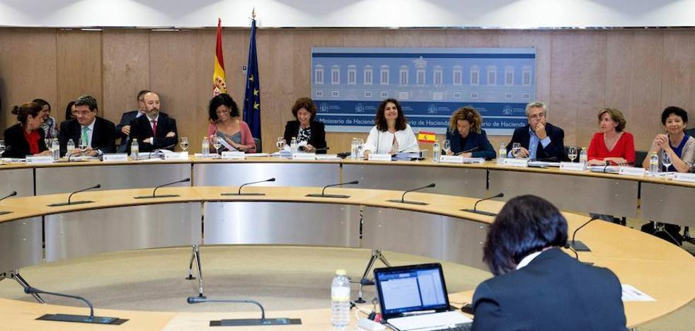 Extremadura prevé cumplir el déficit en 2018 y 2019 con contención del gasto