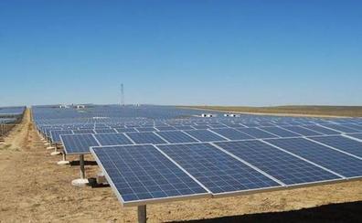 Endesa contará con trabajadores y empresas locales para tres fotovoltaicas extremeñas