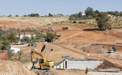 La apertura al tráfico de la Ronda Sureste de Cáceres se mantiene a finales de 2020
