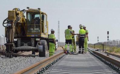 El Gobierno afirma que la inversión en el tren regional se ha multiplicado por treinta desde junio