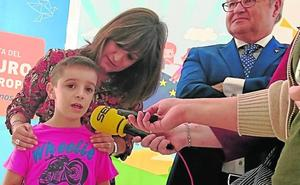 La Gota muestra en Navalmoral la visión de los escolares sobre Europa