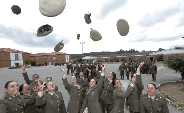Clausura del curso de alumnos de tropa en el Cefot