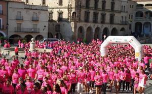 Cáceres espera reunir a unas 3.500 personas en la I Marcha Rosa y la I Carrera de la Mujer
