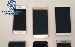 Detenido en Cáceres un empleado de una empresa de mensajería por robar móviles en el trabajo
