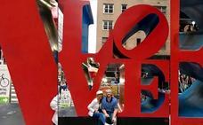 El enorme 'LOVE' de Ana Obregón y Aless Lequio