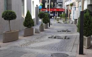 La calle Antonio Maura de Villanueva se abre tras la mejora del firme