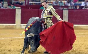 Ferrera jugando al toro