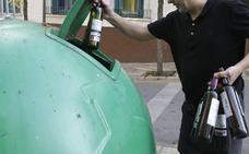 El Ayuntamiento de Badajoz añadirá hasta 90 contenedores de vidrio en tres años