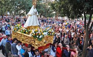 La Virgen de las Cruces, patrona de Don Benito, regresa a su ermita y pone fin a La Velá