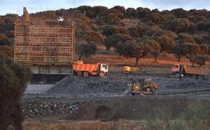 Las obras del AVE en Plasencia no paran por la noche para recuperar los retrasos