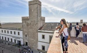 Visitas a las torres de los Acevedos y Santa María