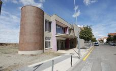 Vecinos de Gredos denuncian que la casa de cultura no cumple la normativa de accesibilidad