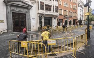 Comienzan las obras para eliminar las jardineras de la plaza de la Soledad de Badajoz