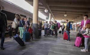 El presidente de Renfe pide perdón a los viajeros por las incidencias en los trenes extremeños