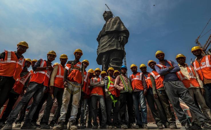 Construcción de la Estatua de la Unidad