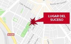 Herido un motorista de 41 años tras una colisión con un turismo en Cáceres