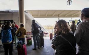 Una avería retrasa media hora la salida del tren Badajoz-Madrid