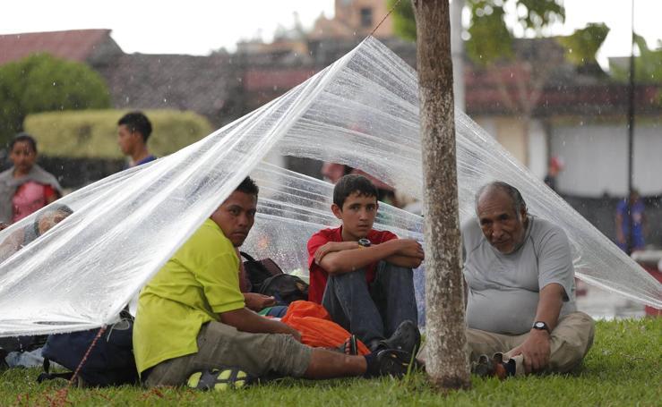 Más de 7.000 personas forman parte de la caravana de migrantes centroamericanos que avanza rumbo a Estados