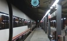 Una nueva avería obliga al tren Madrid-Cáceres a salir con una hora de retraso