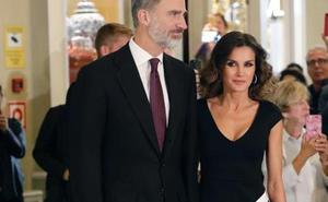 Letizia ya tiene el bolso de las 'royals'