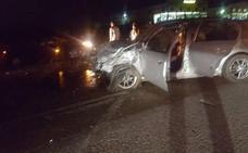 Seis heridos, dos de ellos graves, en un choque en la carretera de Almendralejo a Aceuchal