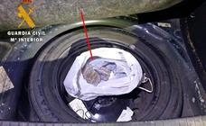 Detenido en la A-66 un ciudadano portugués que ocultaba 1,2 kilos de hachís en su vehículo
