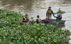 Las armas de la UME en su misión fluvial