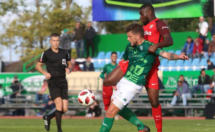 Imágenes del partido de Copa del Rey Villanovense-Sevilla