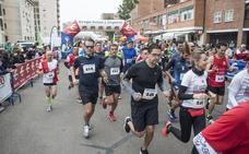 Los atletas populares corren contra el cáncer en Badajoz