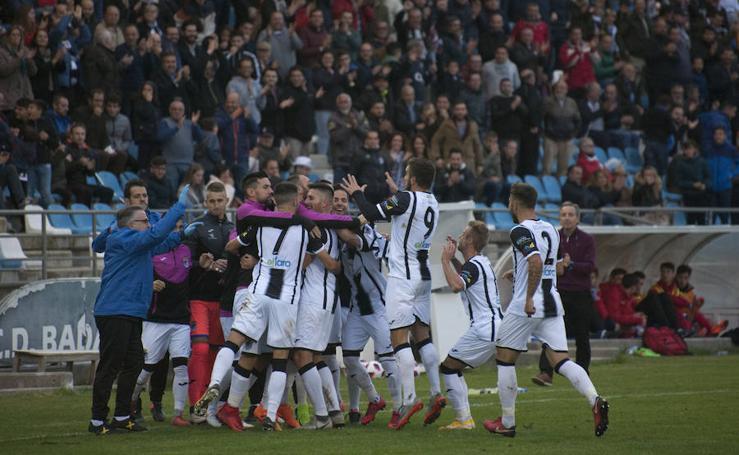 El CD Badajoz vence en casa al Don Benito