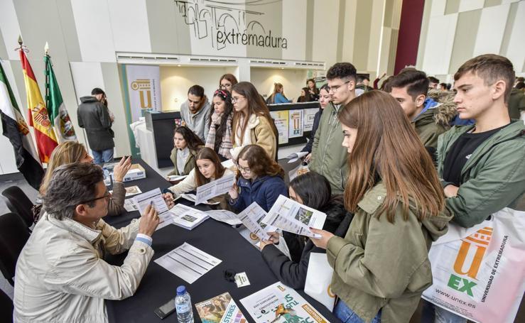 La UEX intenta seducir a los futuros universitarios de la Badajoz