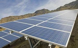Más de 120 parados de Logrosán se forman en montaje de plantas fotovoltáicas