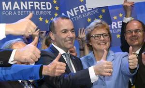 Merkel ya tiene sustituto para Juncker