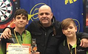 El cacereño Pedro Fernández revalida el título nacional de dardos electrónicos