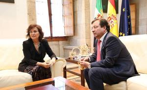 Carmen Calvo subraya la «comprensión» y el «compromiso» del Gobierno con los problemas de Extremadura