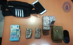 Detenido un hombre de 28 años con 1,3 kilos de hachís en Badajoz